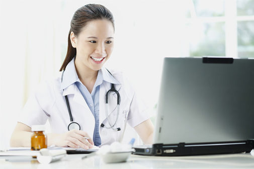 Patient record management software helping practitioners to manage their patient files
